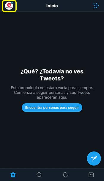 Captura de pantalla de página de inicio Twitter, seleccionando ir al perfil